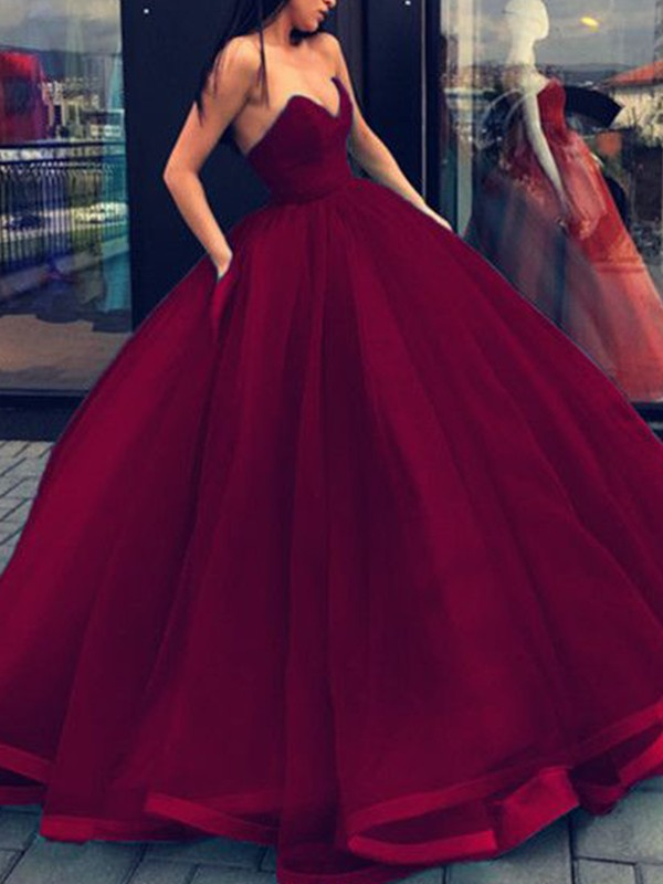 Ball Gown Sleeveless Sweetheart Organza Long Dress