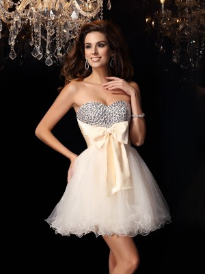 A-Line/Princess Sweetheart Beading Short Tulle Cocktail Dress