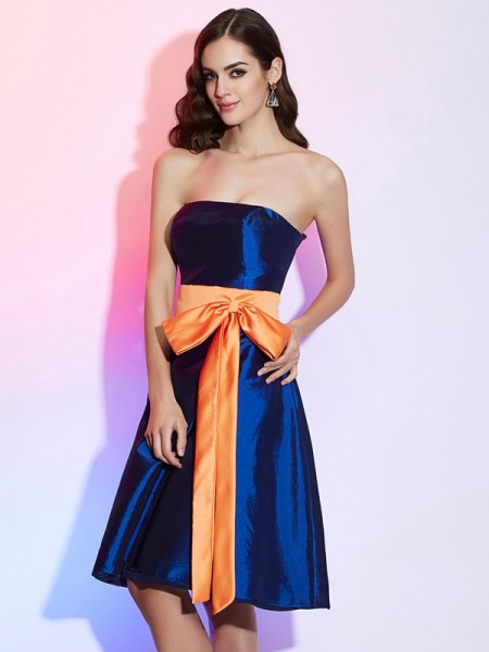 A-Line/Princess Strapless Sash/Ribbon/Belt Short Taffeta Bridesmaid Dress
