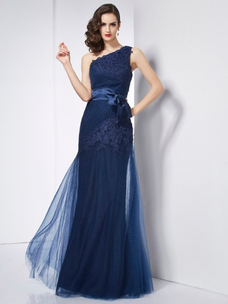 A-Line/Princess One-Shoulder Applique Long Net Dress