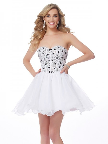 A-Line/Princess Sweetheart Beading Short Elastic Woven Satin Homecoming Dress