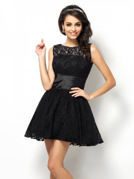 A-Line/Princess Bateau Lace Short Lace Bridesmaid Dress