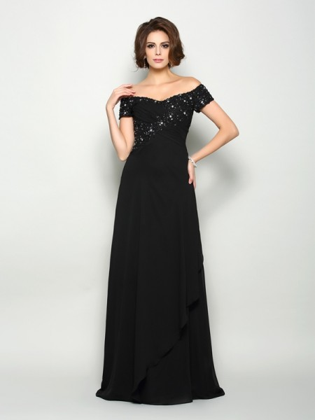 A-Line/Princess Beading Short Sleeves Mother of the Bride Dress with Long Chiffon