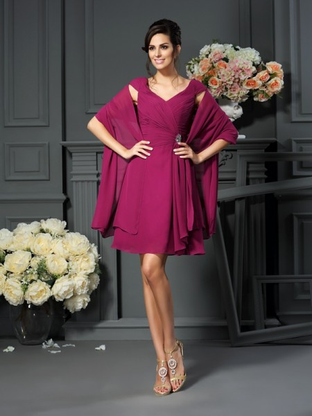 A-Line/Princess V-neck Pleats Short Chiffon Mother of the Bride Dress