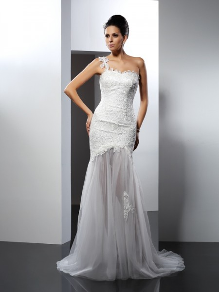 Trumpet/Mermaid One-Shoulder Lace Long Lace Wedding Dress