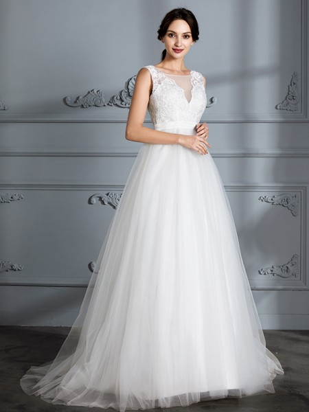 A-Line/Princess Sleeveless Sweep/Brush Train V-neck Tulle Wedding Dress