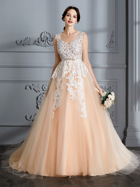 Ball Gown Scoop Sleeveless Court Train Tulle Wedding Dress