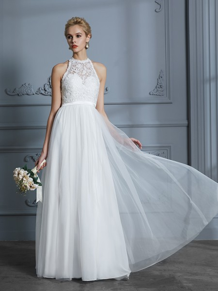 A-Line/Princess Scoop Sleeveless Tulle Wedding Dress