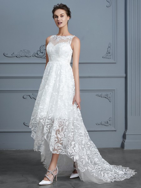 A-Line/Princess Scoop Sleeveless Asymmetrical Lace Wedding Dress