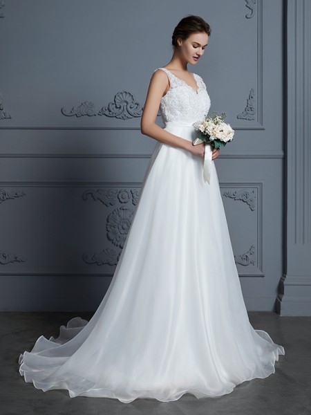 A-Line/Princess Long V-neck Sleeveless Lace Chiffon Wedding Dress