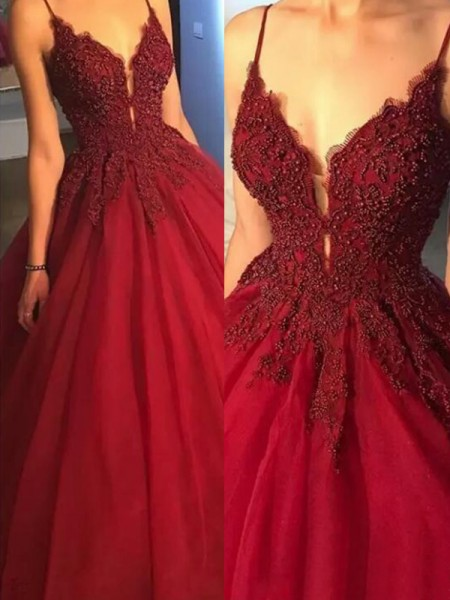 Ball Gown Sleeveless Spaghetti Straps Sweep/Brush Train Tulle Dress