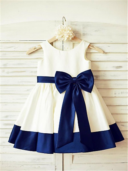 A-line/Princess Scoop Bowknot Tea-Length Satin Flower Girl Dress