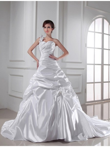 A-Line/Princess One-shoulder Sweetheart Elastic Woven Satin Wedding Dress