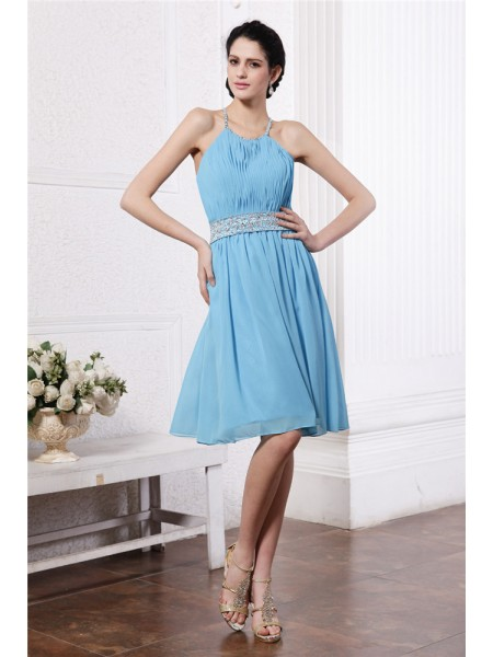 Sheath/Column Halter Pleats Short Chiffon Bridesmaid Dress