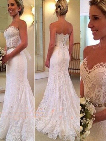 Trumpet/Mermaid Sleeveless Applique Lace Wedding Dress