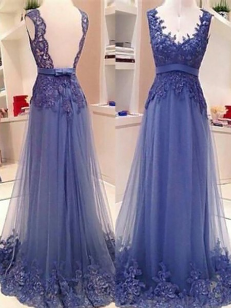 A-Line/Princess V-neck Tulle Applique Floor-Length Dress